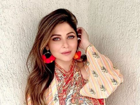 Celebrity Kanika Kapoor Positive Test for Covid-19. Fear Grips All People In Lucknow-1